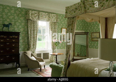 gr ne schubladen stockfoto bild 310708673 alamy. Black Bedroom Furniture Sets. Home Design Ideas