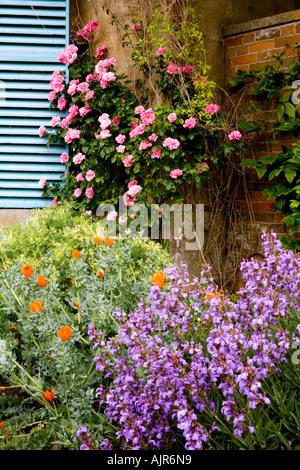 Detail der Ecke an der Broadleas Garten, Devozes, Wiltshire, England, UK - Stockfoto
