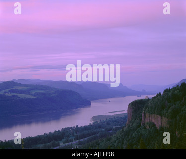 Columbia Gorge National Scenic Area OR Sonnenuntergang am Crown Point State Park Columbia River - Stockfoto