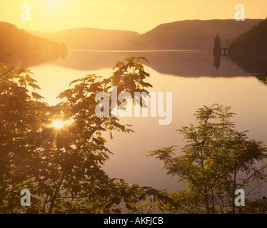 GB - WALES: Sonnenuntergang über Lake Vyrnwy - Stockfoto
