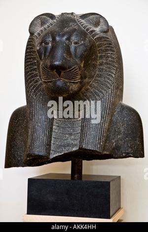 Die Sonne und Krieg Göttin Sakhmet mit einem Löwen-Kopf - Stockfoto