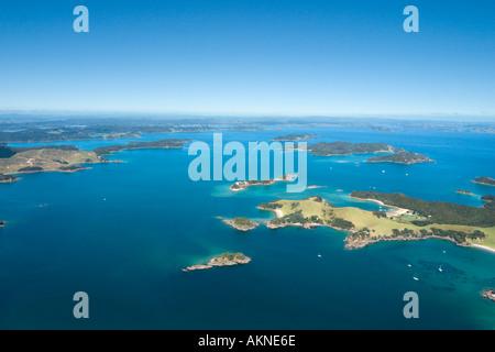 Luftbild von der Bay of Islands aus einem kleinen Flugzeug, Northland, Nordinsel, Neuseeland - Stockfoto