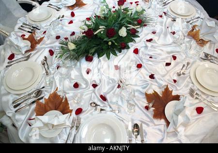 Dekorierten Tisch bei einer Hochzeit Messe in Poznan, Polen - Stockfoto