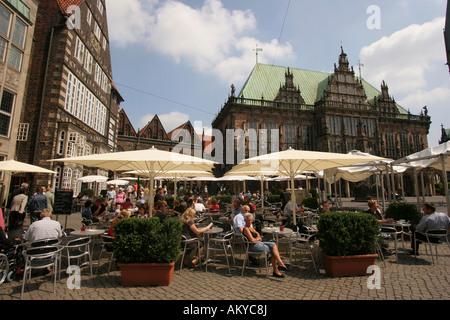 h user und caf s am marktplatz hanseatische stadt bremen deutschland stockfoto bild 59155940. Black Bedroom Furniture Sets. Home Design Ideas