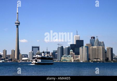 Toronto Kanada Blick über die Stadt einschließlich der Toronto Island Ferry vom Centre Island - Stockfoto