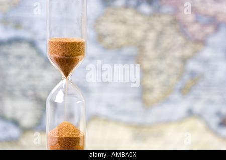 Uhren sanduhr historischen geschichtlichen sanduhr sanduhr stunde gl ser sanduhren - Glaser dekorieren mit sand ...