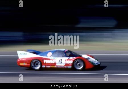 Peugeot Esso mit Geschwindigkeit, 24-Stunden-Rennen von Le Mans, 1981, Frankreich. - Stockfoto