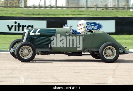 1928 Lea Francis Hyper racing beim Goodwood Revival - Stockfoto