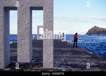 Tensei Tenmoku oder eine Tür ohne Tür des japanischen Künstlers Kan Yasuda in Garachico Teneriffa-Kanarische Inseln - Stockfoto
