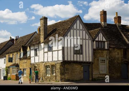 Tudor-Stil Fachwerkhäuser in Laycock Wiltshire Vereinigtes Königreich - Stockfoto