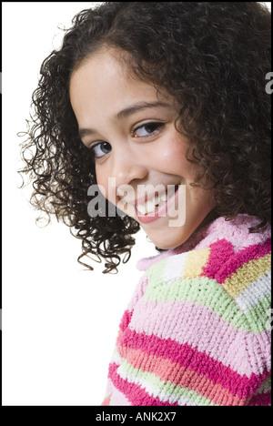 Porträt eines Mädchens, das Lächeln auf den Lippen - Stockfoto