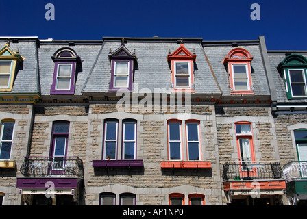 Bunte Fenster und Dächer, Plateau Mont-Royal, Montreal, Quebec, Kanada - Stockfoto