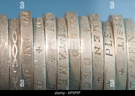 Ein Pfund-Münzen - Stockfoto