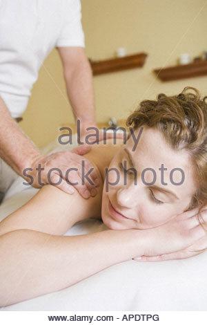 Frau, an die massage - Stockfoto