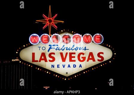 Legendäre Zeichen in Las Vegas Nevada sagen Willkommen in Las Vegas Strip NV - Stockfoto