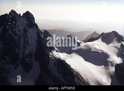 Luftaufnahme des Mount Kenya aus dem südlichen Kenia in Ostafrika - Stockfoto