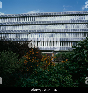 Photovoltaik-Fassade, University of Northumbria Newscastle nach Tyne, England. - Stockfoto