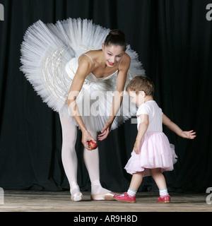 e406a177ba02 ... ersten Ballett Lektion Prima Ballerina Tänzerin Schauspielerin Bühne  Baby Mädchen Baby Kind Kinder studieren Lehrer -
