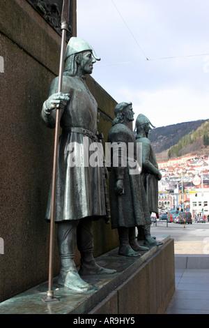 Statuen von Viking Männer in Bergen Norwegen. - Stockfoto