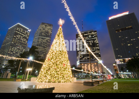 weihnachten leuchten skyline von downtown miami florida. Black Bedroom Furniture Sets. Home Design Ideas