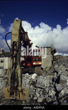 hydraulische Bagger auf Abriss-Baustelle von Eisenbahn-Viadukt Plymouth Devon uk - Stockfoto