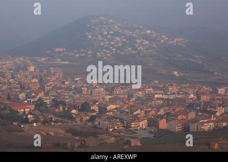 Stadt berga spanien stockfoto bild 13934994 alamy - Ciudad de berga ...