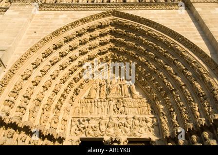 Das Portal der letzten Urteil der Kathedrale Notre-Dame auf der Ile De La Cite Paris Frankreich - Stockfoto