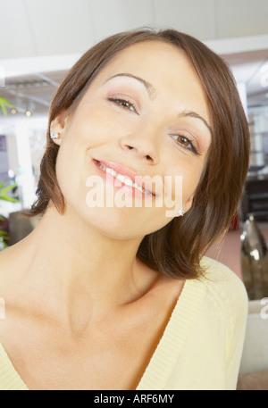 Porträt der lächelnde Frau hautnah - Stockfoto
