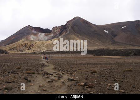 Blick auf rote Krater am Tongariro - Stockfoto