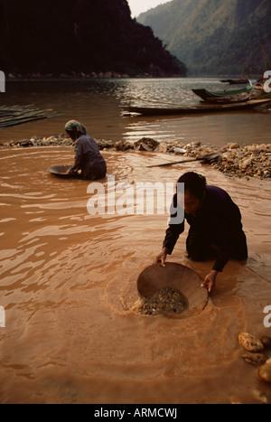 Goldwaschen, Nong Kiew, Laos, Indochina, Südostasien, Asien - Stockfoto