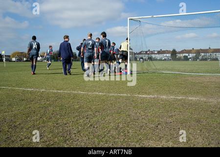 Fußball-Nationalmannschaft, die Tonhöhe zu verlassen - Stockfoto