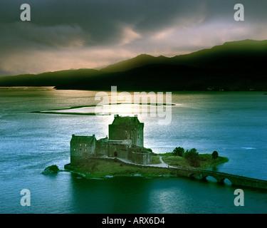 GB - Schottland: Eilean Donan Castle Loch Duich in den Highlands - Stockfoto