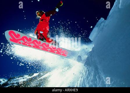 Snowboarden in Snowbird Ski Resort in Utah in der Nähe von Salt Lake City - Stockfoto