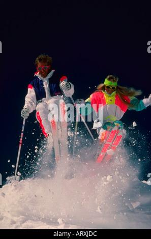 Skifahrer auf den Pisten von Alta Ski Resort in den Wasatch Mountains in der Nähe von Salt Lake City Utah - Stockfoto