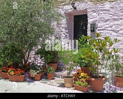 typische dekoration der fassade des hauses in lissabon traditionelle keramik kacheln azulejos. Black Bedroom Furniture Sets. Home Design Ideas