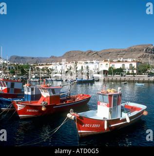 Boote im Hafen von Puerto Mogan, Gran Canaria, Kanarische Inseln, Spanien - Stockfoto