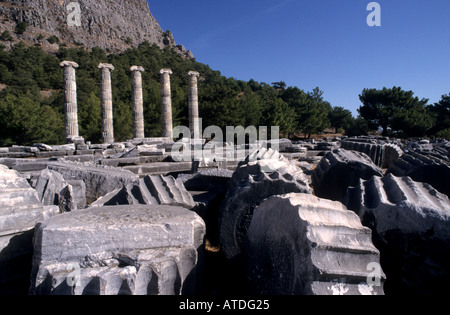 Priene ionische Säulen der Athena Temple von Pytius Od Halikarnassos - Stockfoto