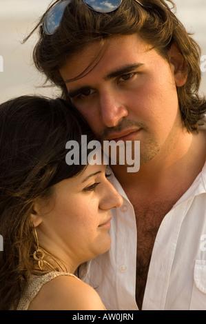 Nahaufnahme von romantisch zu zweit zu umarmen - Stockfoto