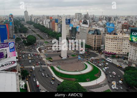 Blick über die Avenida 9 de Julio in Buenos Aires, Argentinien - Stockfoto