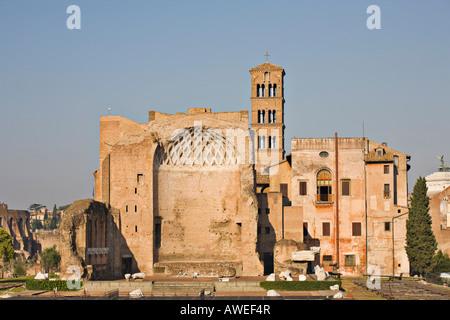 Tempel der Venus und roma Apsis als vom Kolosseum, Rom, Italien, Europa - Stockfoto