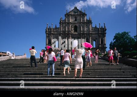 Ruinen der Kirche des St. Paulus (Ruinas de Igreja de São Paulo) in der ehemaligen portugiesischen Kolonie Macau. - Stockfoto