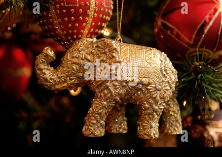 Christmas Ornament, goldenen Elefanten - Stockfoto