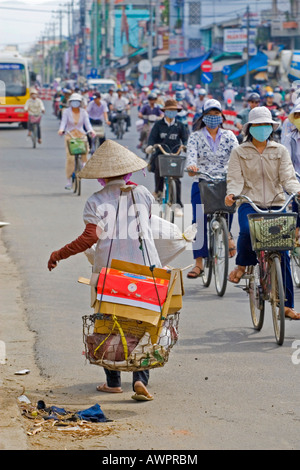 Typische Verkehr in Nha Trang, Vietnam, Asien - Stockfoto