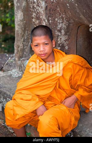 Kambodscha, Angkor Tempel Preah Khan, junge Teenager buddhistischer Mönch in traditionellen Safran Gewohnheit oder - Stockfoto