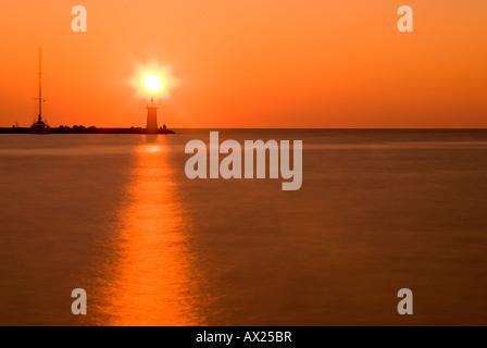 Sonnenuntergang über den Pier in Novigrad, Istrien, Kroatien, Europa - Stockfoto