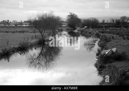 Fluss im County Fermanagh, Nordirland - Stockfoto