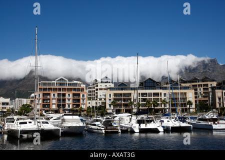 Blick von der Nord-Werft über die Waterfront Marina V & eine Waterfront Kapstadt westlichen Kapprovinz in Südafrika - Stockfoto