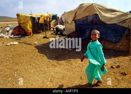 In der Nähe von Totes Meer Jordanien Nomadenvolk Zelt Tiere und waschen - Stockfoto