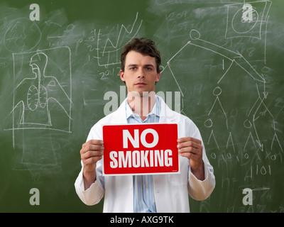 Wissenschaftler, die keine Raucher Schild - Stockfoto