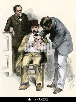 Louis Pasteur Überwachung eine Impfung für Tollwut aka Tollwut 1880. Hand - farbige Holzschnitt - Stockfoto